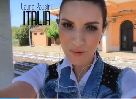Laura Pausini, una solarolese nel mondo